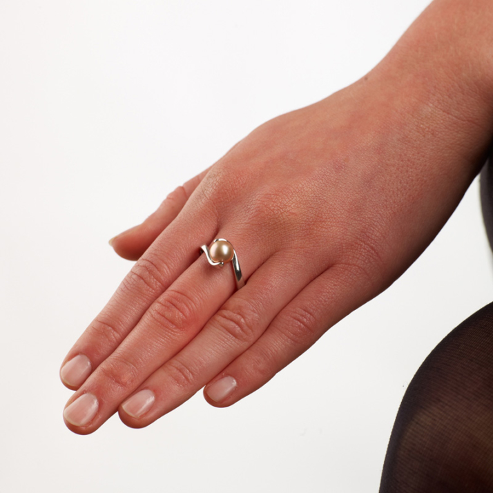 Pearl Wave Ring