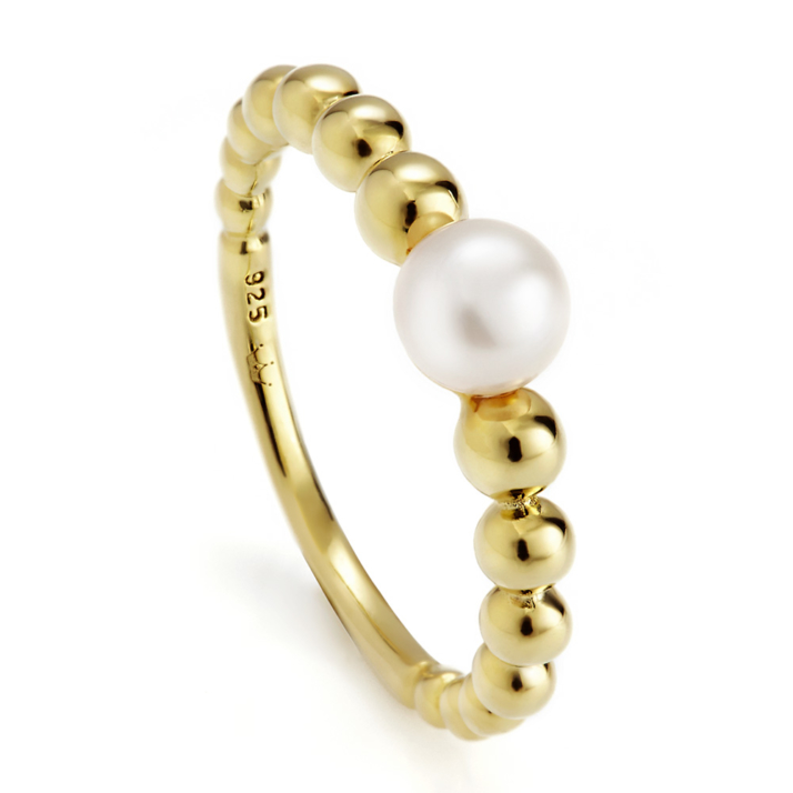 Coast pearl ring on Yellow Gold
