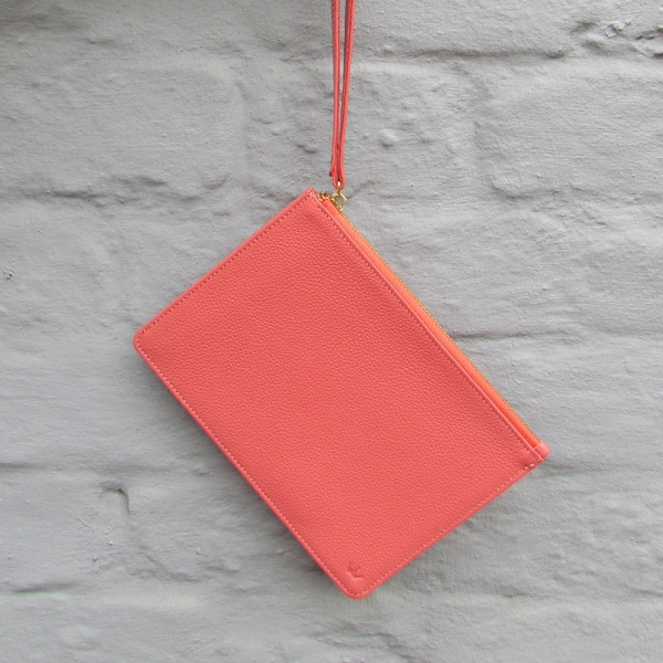 Leather clutch bag - Coral