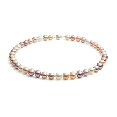Mid-length, 9.0-10.0mm Freshwater pearl necklace